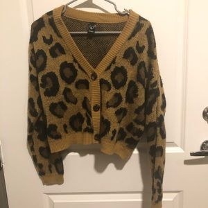 Super soft leopard cardigan 🧡
